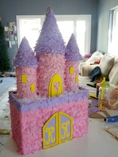 Piñata castillo princesa, rosa, purpura y amarillo   -   Princess Castle pinata purple pink and yellow https://www.etsy.com/listing/220205271/gold-and-silver-sparkle-princess-crown