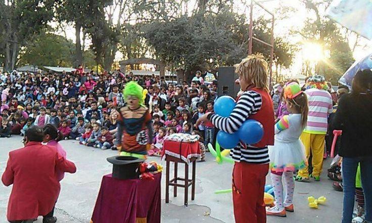 Tarde para generar sonrisas con animadores y payasos: El grupo Animadores y Payasos Salteños (AyPaS), invita a los niños al festival…