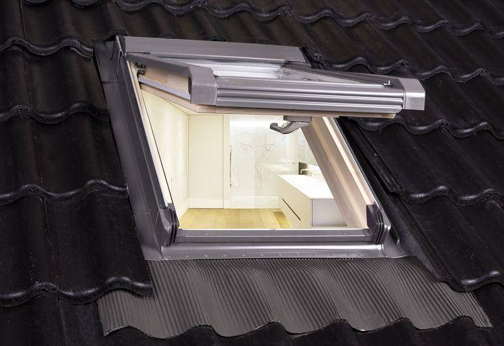 Intura Vista (Uw=1.5) is verkrijgbaar in hout en kunststof en het ideale alternatief voor renovatie. Met meer lichtopbrengst en een geïntegreerd gootstuk is dit het ideale kleine raam voor elk geïsoleerd dak.