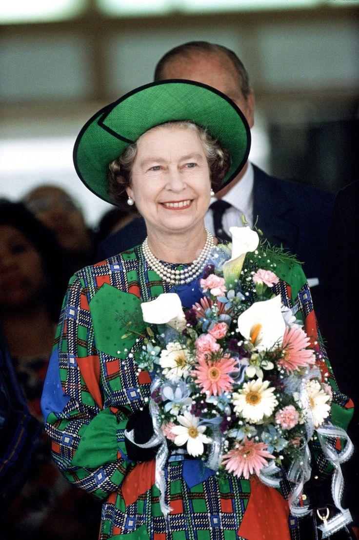 Queen Elizabeth in a Philip Somerville hat in 1986.