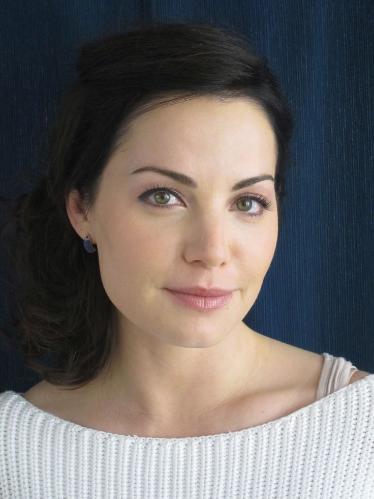 Erica Durance | Portraits - Color in 2019 | Erica durance ...