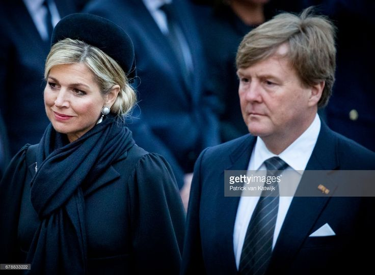 King Willem-Alexander and Queen Maxima of The Netherlands attend the National Remembrance ceremony at the National Monument on Dam Square on May 04, 2017 in Amsterdam, Netherlands. The ceremony is held annually and commemorates all civilians and members of the armed forces of the Kingdom of the Netherlands who have died in wars or peacekeeping missions since the outbreak of World War