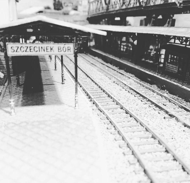 Niewiadomego pochodzenia zdjęcie nieistniejącej stacji kolejowej w #Szczecinek. Ciekawe gdzie to było? :) #kolej #dworzec #historia
