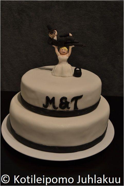 Kettle bell wedding cake