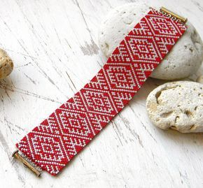 Free pattern for peyote bracelet ~ Seed Bead Tutorials