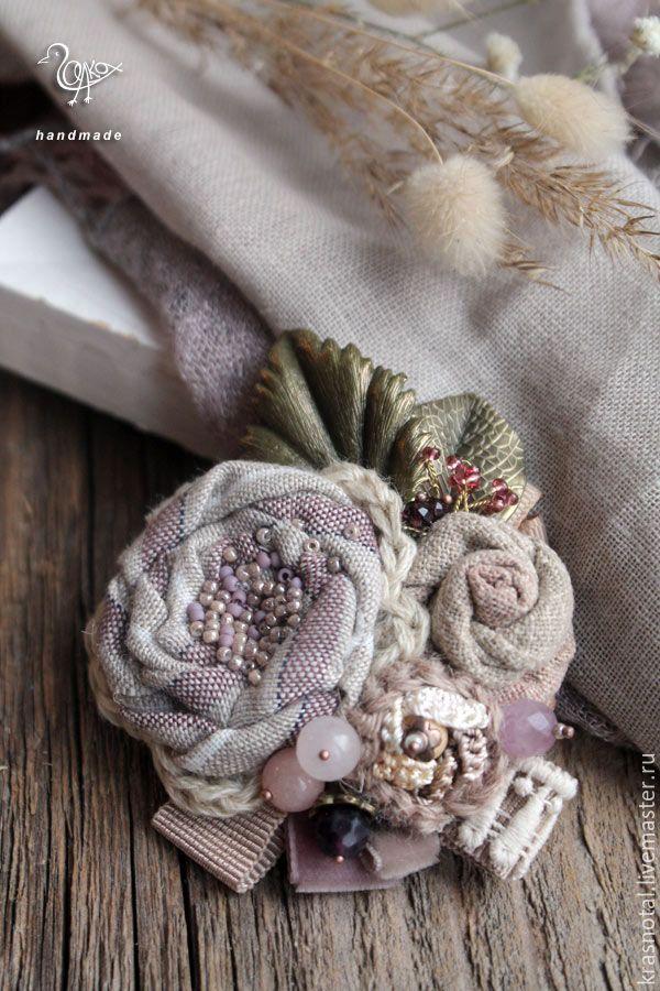 "Купить ""Первый иней"" крупная брошь из ткани, брошь с камнями - крупная брошь, светлая брошь, textile brooch, textile jewellery, flower brooch, rose brooch,fabric brooch, cream brooch, fabric jewelry"
