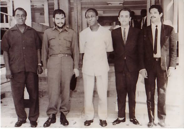 Kojo Botsio, Che Guevara, Kwame Nkrumah and two Cuban officials in Ghana during the Guevara visit in late 1964 and early 1965 when he toured several African states. Guevara would work to liberate Congo in 1965. by Pan-African News Wire File Photos, via Flickr