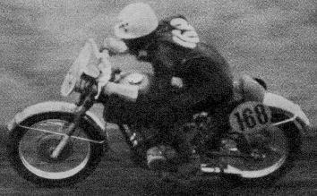 第3回浅間火山レ-ス 250cc  ヤマハYD-Sで健闘したの野口種晴  1959年 写真集-3