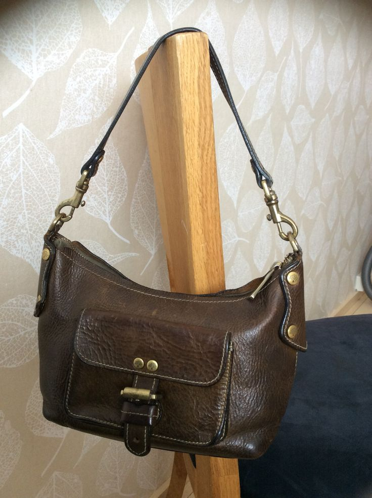 Mulberry Ayesha in olive green Darwin leather.