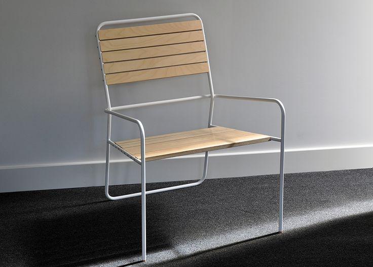 Ook voor de Tube Chair van Vincent hebben we een geschikte fabrikant gevonden. Prijs-indicatie: 595 euro. Vanaf 19 oktober te bestellen. Al onze producten worden in een beperkte eerste serie verkocht.