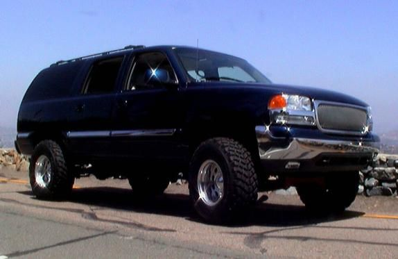 "lifted yukon | my current project. It's a 2000 GMC Yukon XL. It has a 6"" Rancho lift ..."
