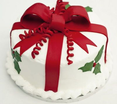 Simple and beautiful Christmas Cake
