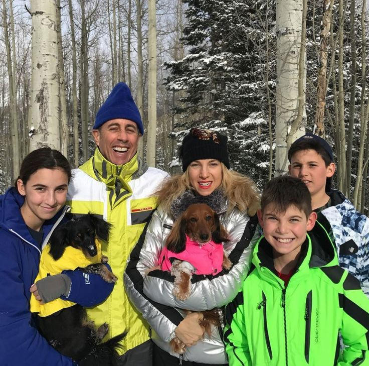 Jerry Seinfeld's Kids Are All Grown Up! See the Family's Adorable Holiday Card