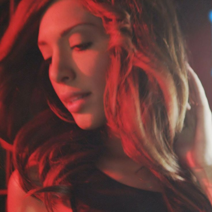 """Chatter Busy: Farrah Abraham Debuts """"Blowin"""" Video"""