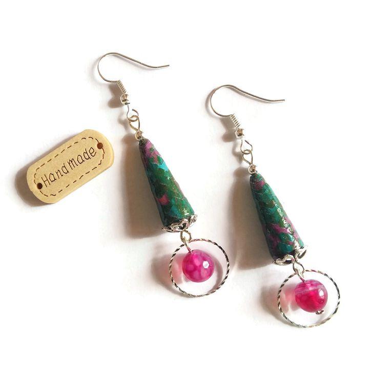 Boucles d'Oreilles Pendantes Perles Artisanales Perles en Papier Pierres Naturelles Minérales Vertes Roses Fuchsias : Boucles d'oreille par cap-and-pap
