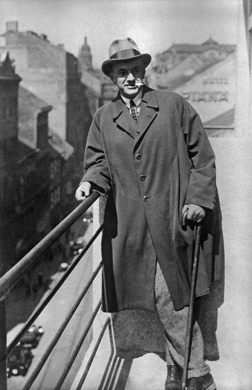 Владимир Маяковский в Праге. 1927 год © ТАСС
