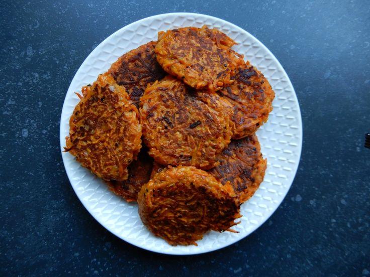 Rösti van zoete aardappel - RECEPT Met geraspte kaas, ui, caribbean spice en ei BurgertrutjesNL