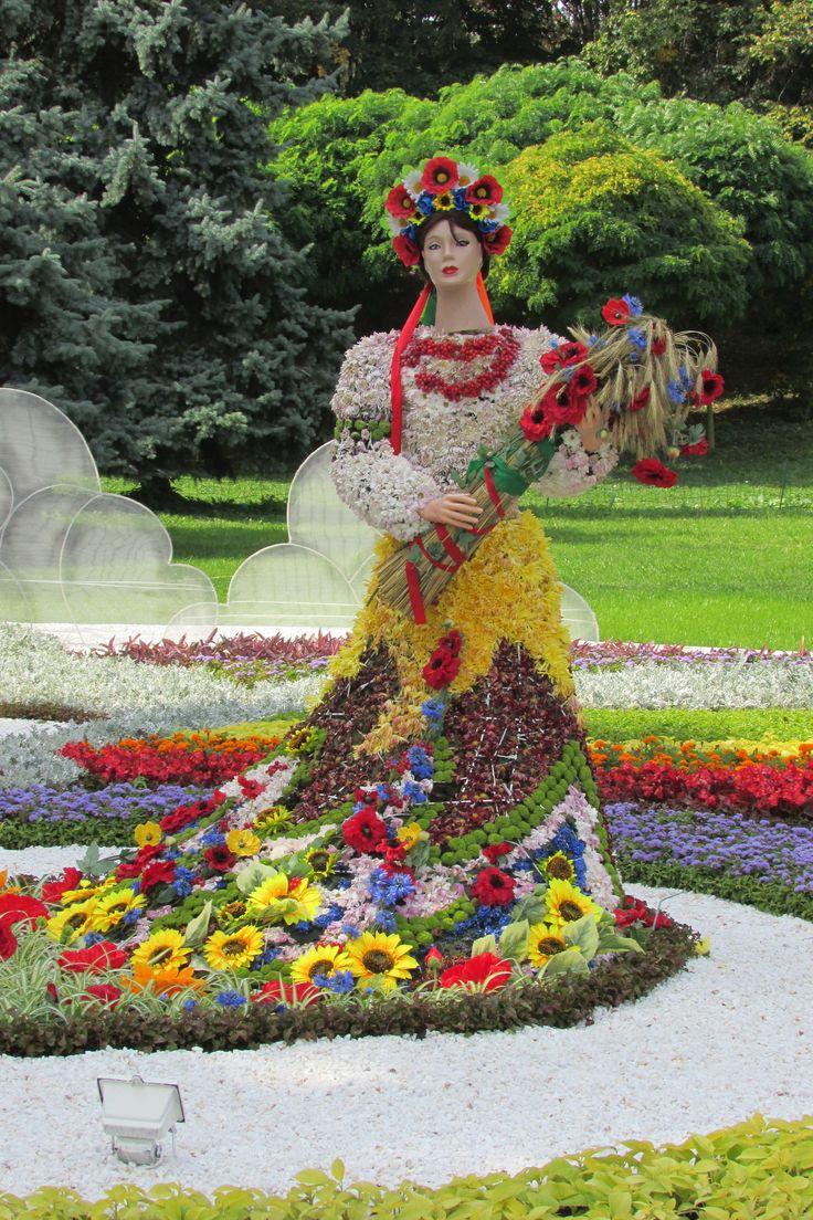 """""""Ukraine single""""Flower-show 2014, Kyiv"""