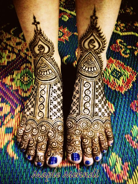 henna feet, bridal henna. See more at www.shaadi-bazaar.com
