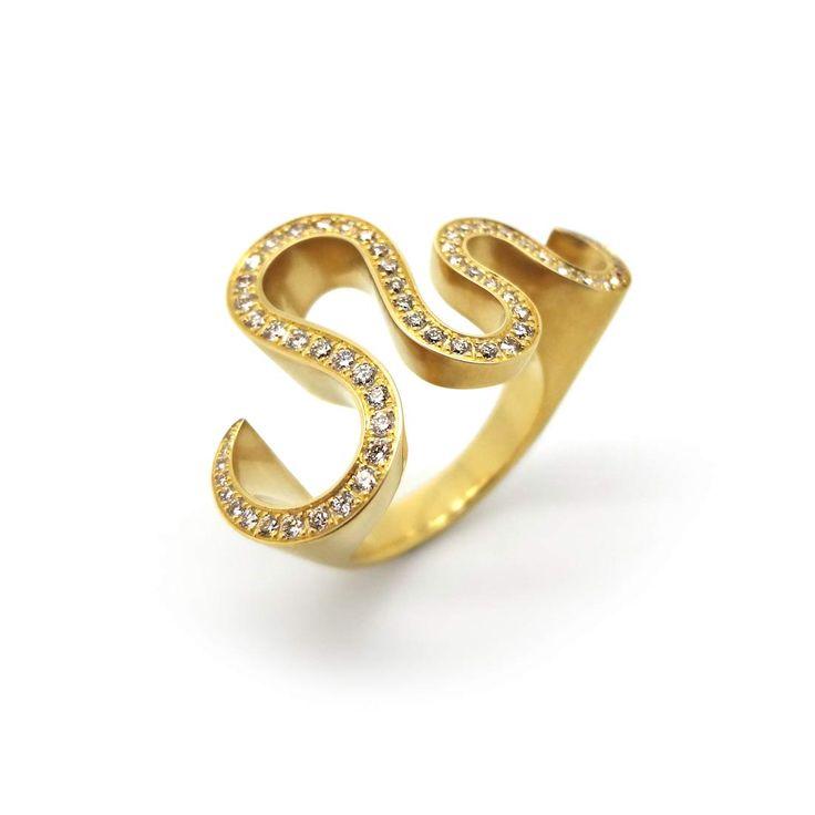 Great Angela Hubel u Yellow Gold u Diamond Serpentine Ring
