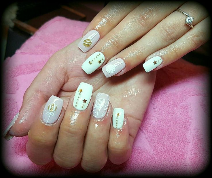 3D nude Christmas nails