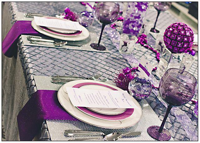 Purple Christmas Party Table Setting #purple #christmas