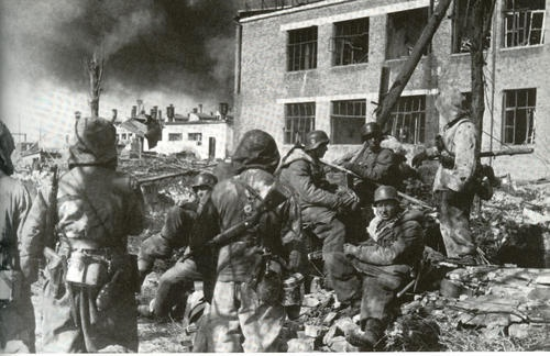 war and propaganda in the battle of kharkov On this day, german troops re-enter kharkov, the second largest city in the ukraine, which had changed hands several times in the battle between the ussr and the.