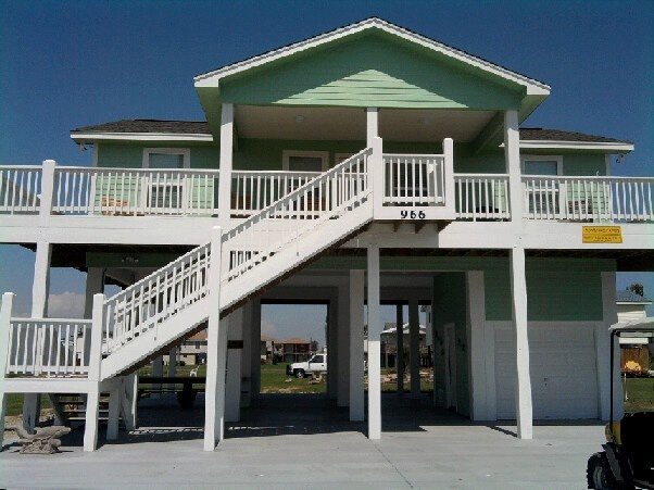 Contact Swedes Realty Crystal Beach Texas Beautiful 3 Bedroom House For At In 2018 Pinterest Vacations