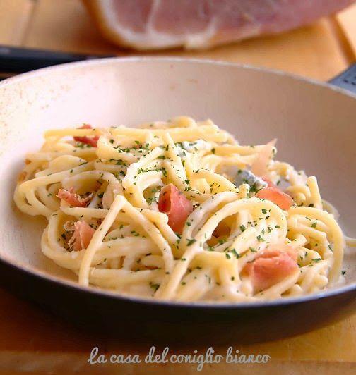 Pasta alla crema di gorgonzola e prosciutto