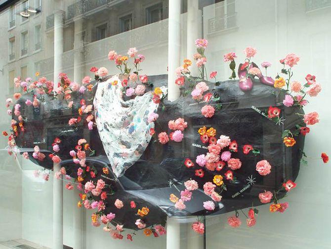 Germination / sculpture évolutive / vitrines Isabel Marant / Paris 2004