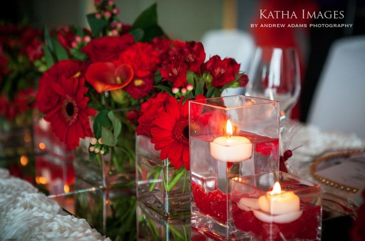 table decor with flowers and tealight candles #indian #shaadi #wedding #southasian #shaadi #belles | courtesy Katha Images | for more inspiration visit www.shaadibelles.com