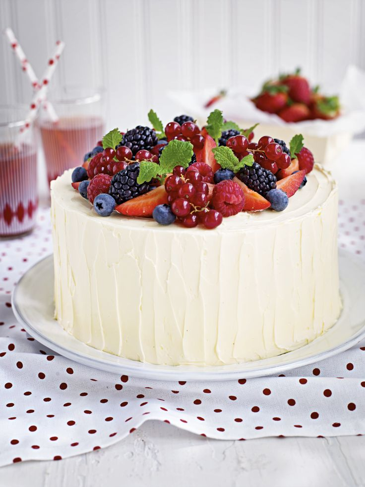 Summer Berry Cake — Roy Fares