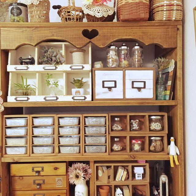 junko.sugarさんの、フェイクグリーン,salut!,セリア,手作り棚,ベッド周り,のお部屋写真