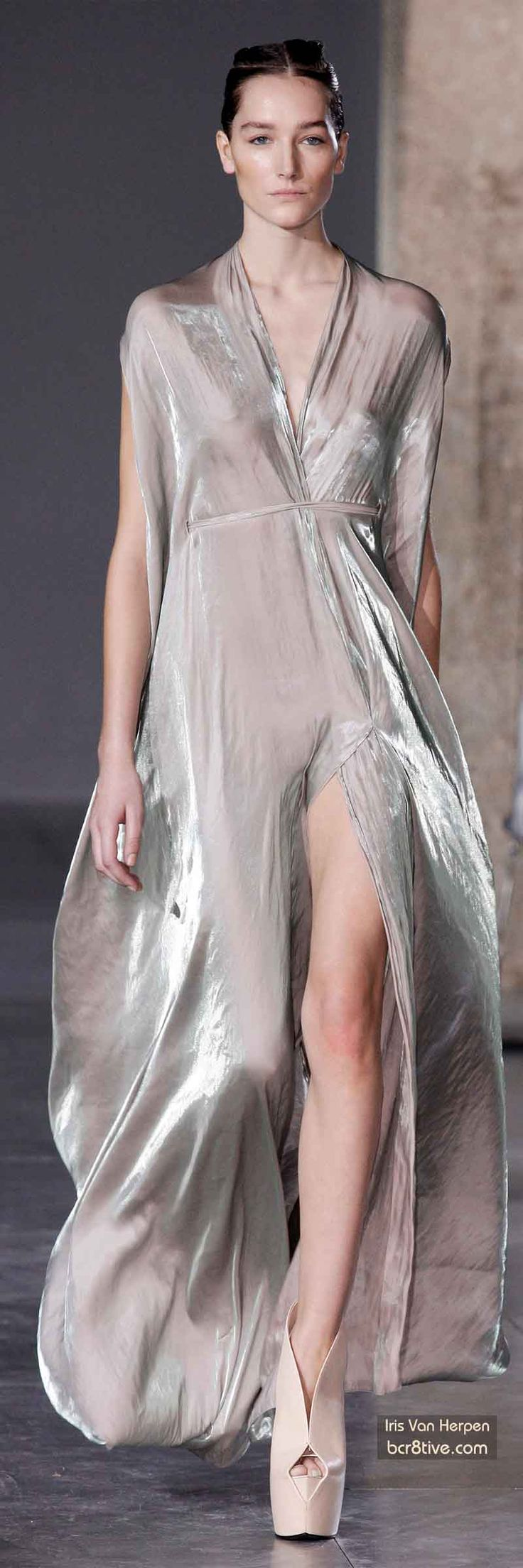 Best Gowns of Fall 2014 Fashion Week International - Part 6