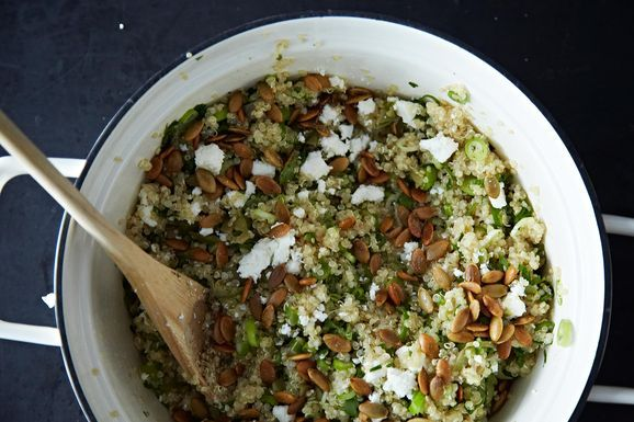 How to Make Quinoa Salad Without A Recipe -- 5 easy steps to perfect quinoa salad that you can keep in the fridge and just add stuff -- toasted nuts, leftover grilled chicken, whatever. Great idea for Phase 3.