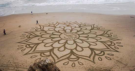 Over 100,000 Feet Sand Paintings by Andres Amador   The Design Inspiration www.andresamadorarts.com