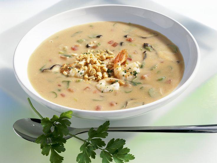 Eine cremige Köstlichkeit! Erdnusssuppe mit Shrimps - smarter - Zeit: 30 Min. | eatsmarter.de