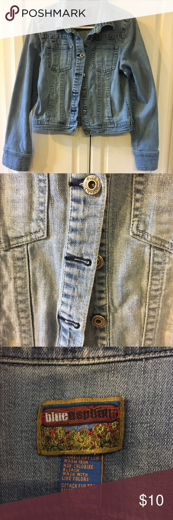 Ladies Denim Jacket Gently used.  Great condition! No stains or holes.  Goes with just about any outfit! Jackets & Coats Jean Jackets