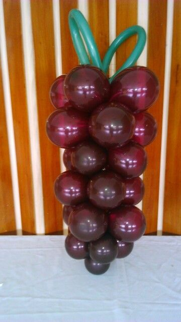 Racimo de uvas con globos