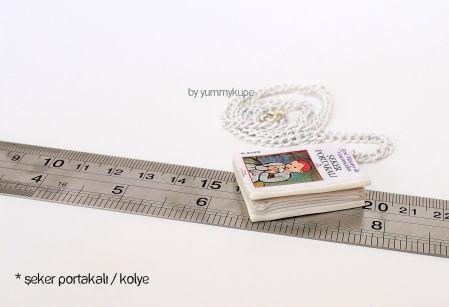 Şeker Portakalı Kitap / Kolye  #fashion #design #miniature #food #art #miniaturefoodart #polymerclay #clay #minyatur #polimerkil #kil #nutella #tasarim #taki #sanat #moda #sokak #tutorial #yummykupe #mold #kalip #nasil #bileklik #kolye #kupe #yuzuk #aksesuar #kadin #ring #earring #accesorie #necklace #special #custom #books #sekerportakali #josemauro #seker #portakali