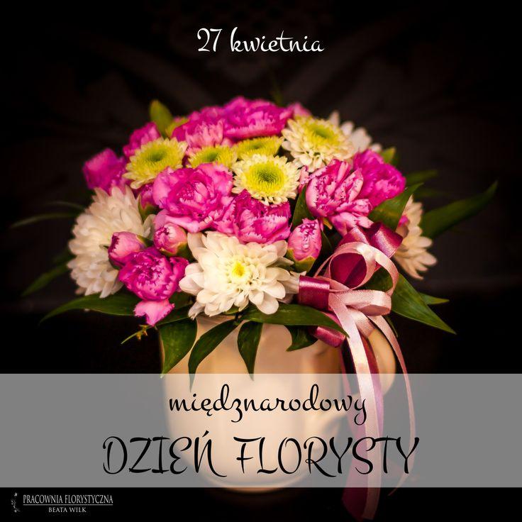 dzień florysty kwiaty w kubku