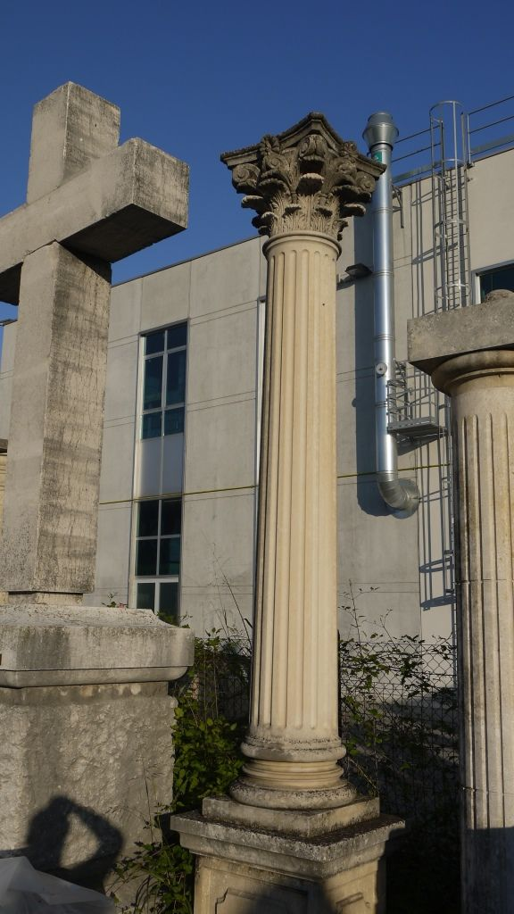 Pi di 25 fantastiche idee su colonne di pietra su for Aggiornare le colonne del portico