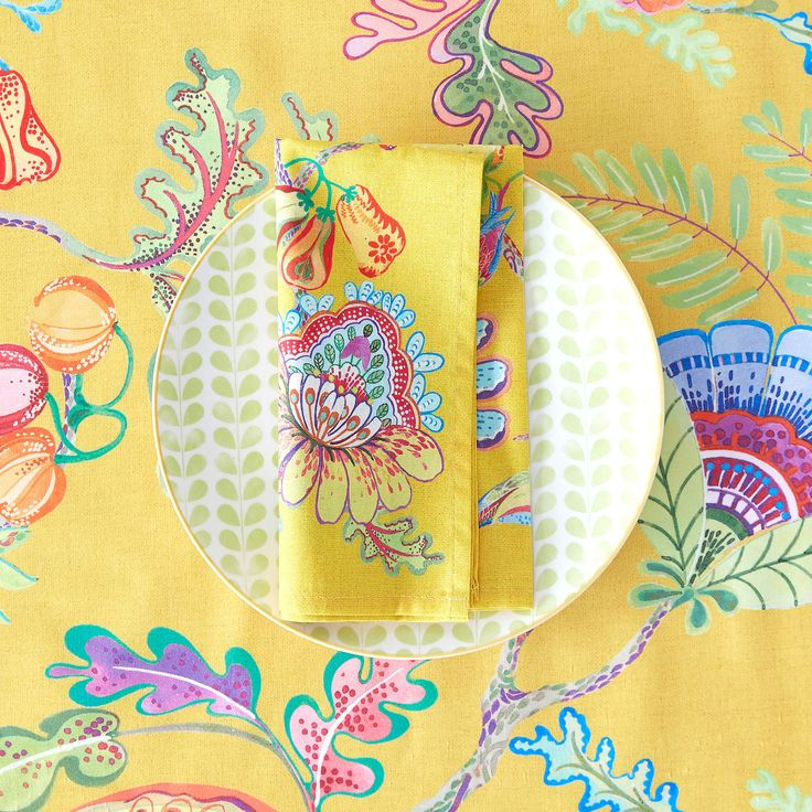 Image 4 of the product Multicoloured digital-print napkins and tablecloth