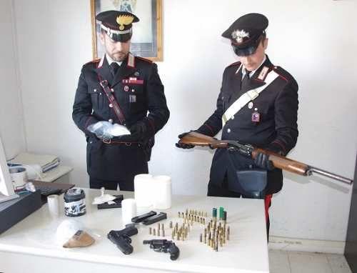 Lazio: #Nettuno. #Carabinieri #scoprono arsenale in casa di un 45enne: sotto il materasso della culla di un ne... (link: http://ift.tt/2ntBUOL )