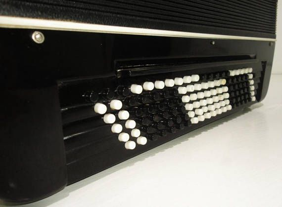 ⇨ Converter Bayan Free Bass Stradella Rubin 6, 120 Bass Button Accordion +Case 913, Rich and Powerful sound. Great Chromatic Accordian. #1404 Made in Russian Federation ⇒ FOR MORE ACCORDIONS AND BAYANS OFFERED BY OUR MUSICAL WORKSHOP HARMONY PROCEED THIS LINK: