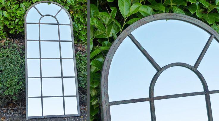 Grand miroir mural en forme de fenêtre