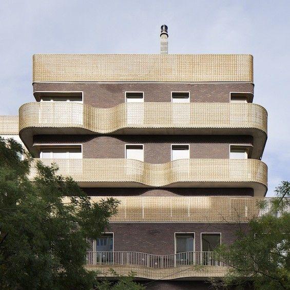 http://www.archidesignclub.com/magazine/rubriques/architecture/44821-bruno-rollet-architecte-logements-le-candide
