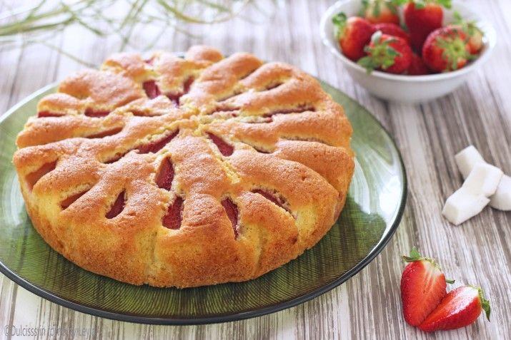 Gâteau de noix de coco douce et fraise molle Dulcisss dans le four par Leyla