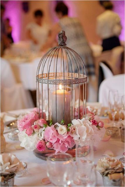 22 romantische ideen einzuarbeiten vogelk fige in ihre hochzeit romantische ideen romantisch. Black Bedroom Furniture Sets. Home Design Ideas
