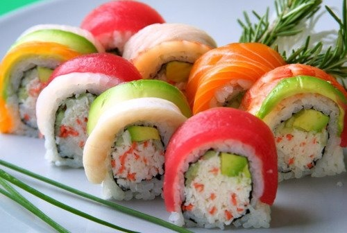 Rainbow sushi rolls: Fun Recipes, Make Sushi, Fresh Colors, Rainbows Rolls, Wedding Theme, Pools Parties, Parties Theme, Sushi Rolls, Sushi Sushi